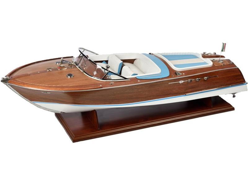 AMATI Aquarama italský sportovní člun 1:10 kit