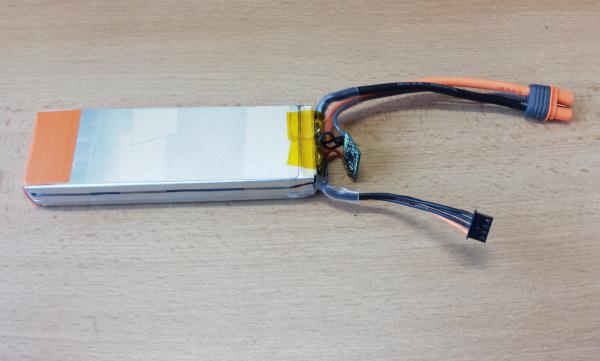 Rozebraný Spektrum Smart LiPo akumulátor 11.1 V 3200 mAh