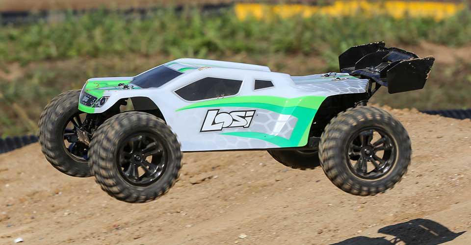 Losi Tenacity-T 4WD AVC