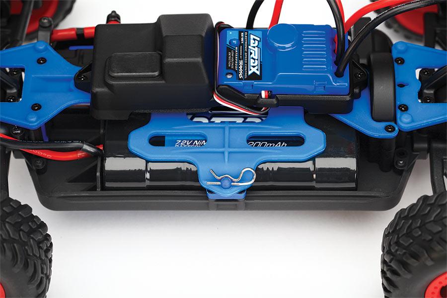traxxas/76064-sst-battery-access.jpg