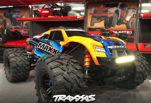 traxxas/first-delivery-graphic-990000079e028a3c.jpg