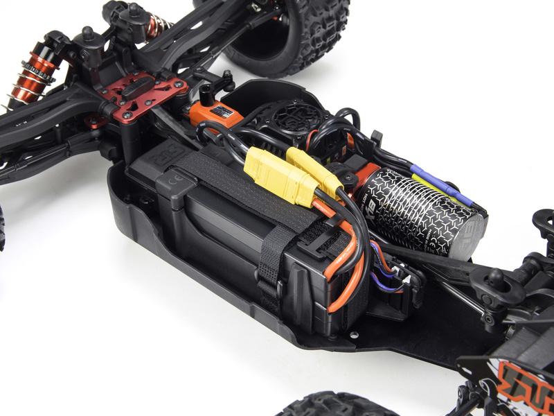 064fece20b3 ... RC model auta Arrma Talion 6S BLX 1 8  Ukázka zapojení dvojice LiPo  akumulátorů ...