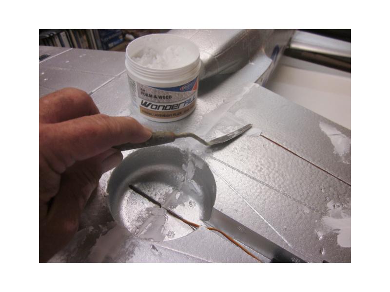 Wonderfill univerzální tmel na pěnové materiály 240ml