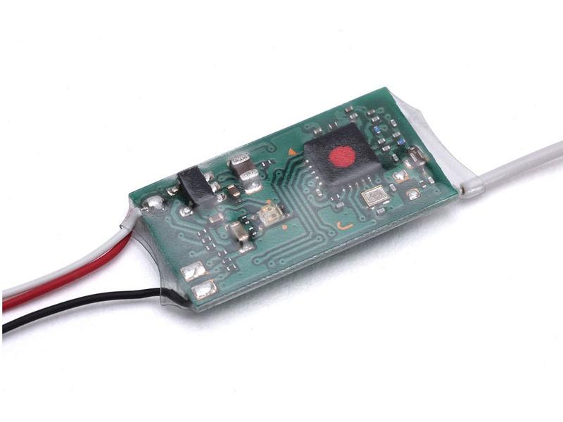 Futaba přijímač 0/8k R2000SBM 2.4GHz S-FHSS/FHSS