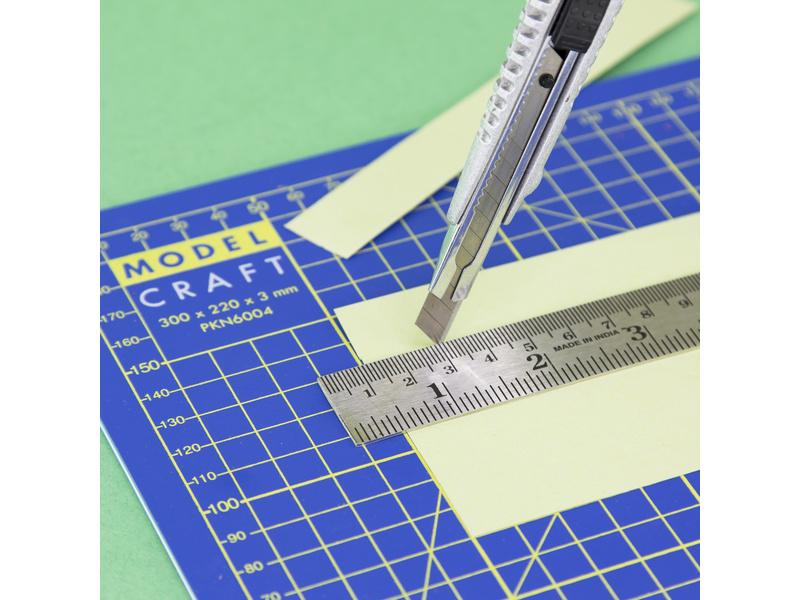 Modelcraft zalamovací kovový nůž s 10 čepelemi 9x0.3mm