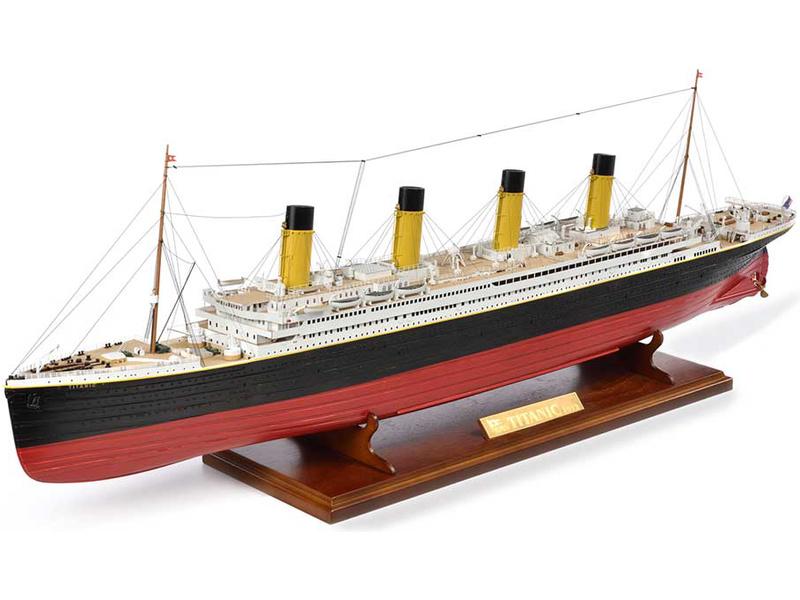 AMATI R.M.S. Titanic 1:250 kit