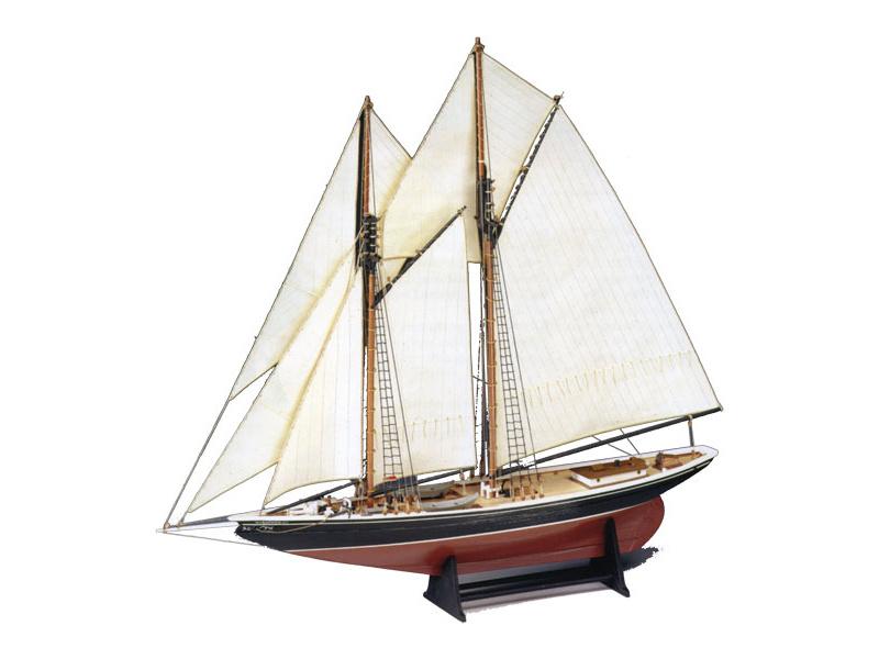 AMATI Bluenose škuner 1921 1:100 kit