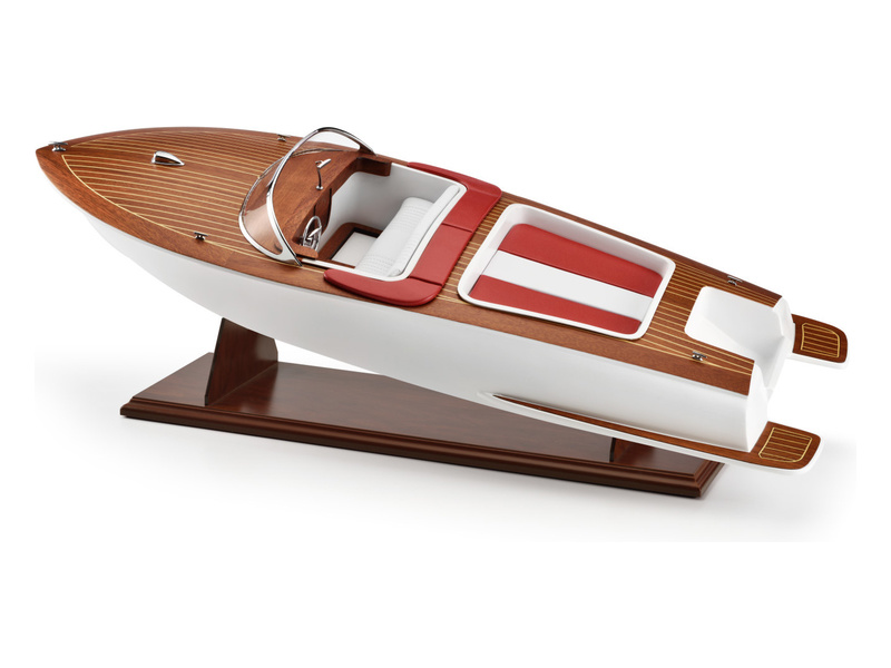 AMATI Sexy Lady sportovní člun 1:8 kit